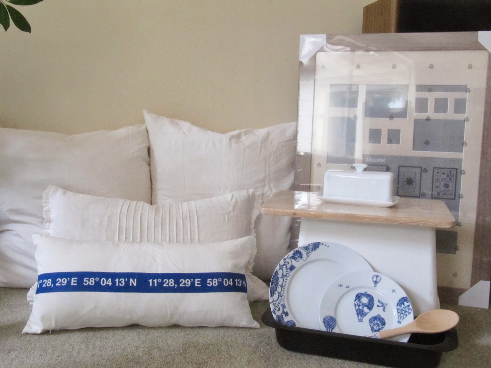 A trip to ikea bedroom progress and a pug party the for Euro shams ikea