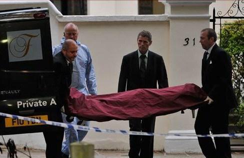 AMY WINEHOUSE... MUERTA. 2011-amy-winehouse-muerta