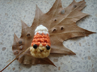 free crochet pattern tiny candy corn amigurumi