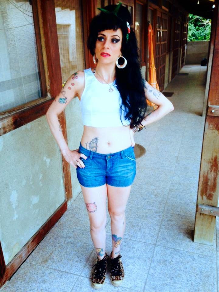 Sósia Amy Winehouse na Ilha da Gigóia