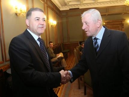 Военният министър Ненчев и председателят на Комисията по национална сигурност Михов