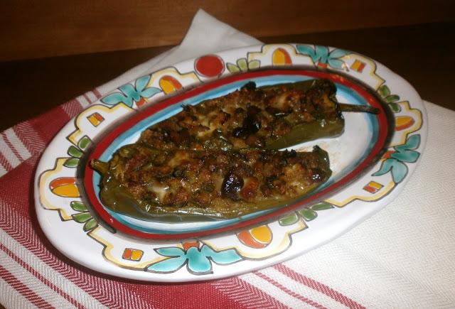peperoni ripieni di pane olive peperoni e formaggio
