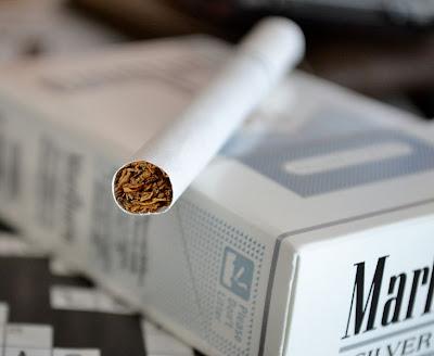 r1 cigarettes king