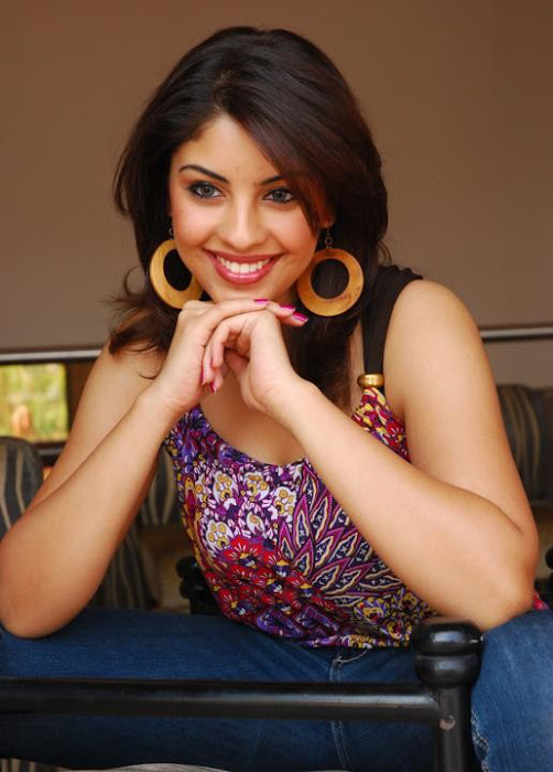 richa gangopadhayay hot photoshoot