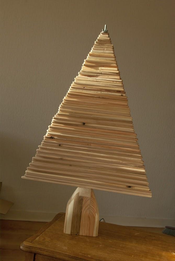 carnet d 39 id es sapin de no l en bois wooden christmas tree. Black Bedroom Furniture Sets. Home Design Ideas