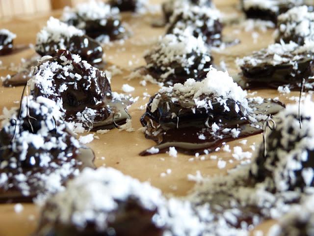 Arszenik w kuchni: śliwkowo-kokosowe grzeszki