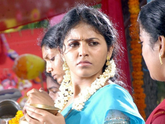 Thambi Vettothi Sundaram Movie Latest Stills Pics Photos film pics