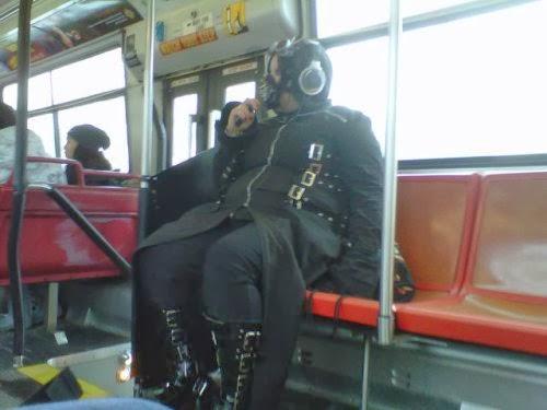 Fotos de gente rara que nos podemos encontrar en el metro
