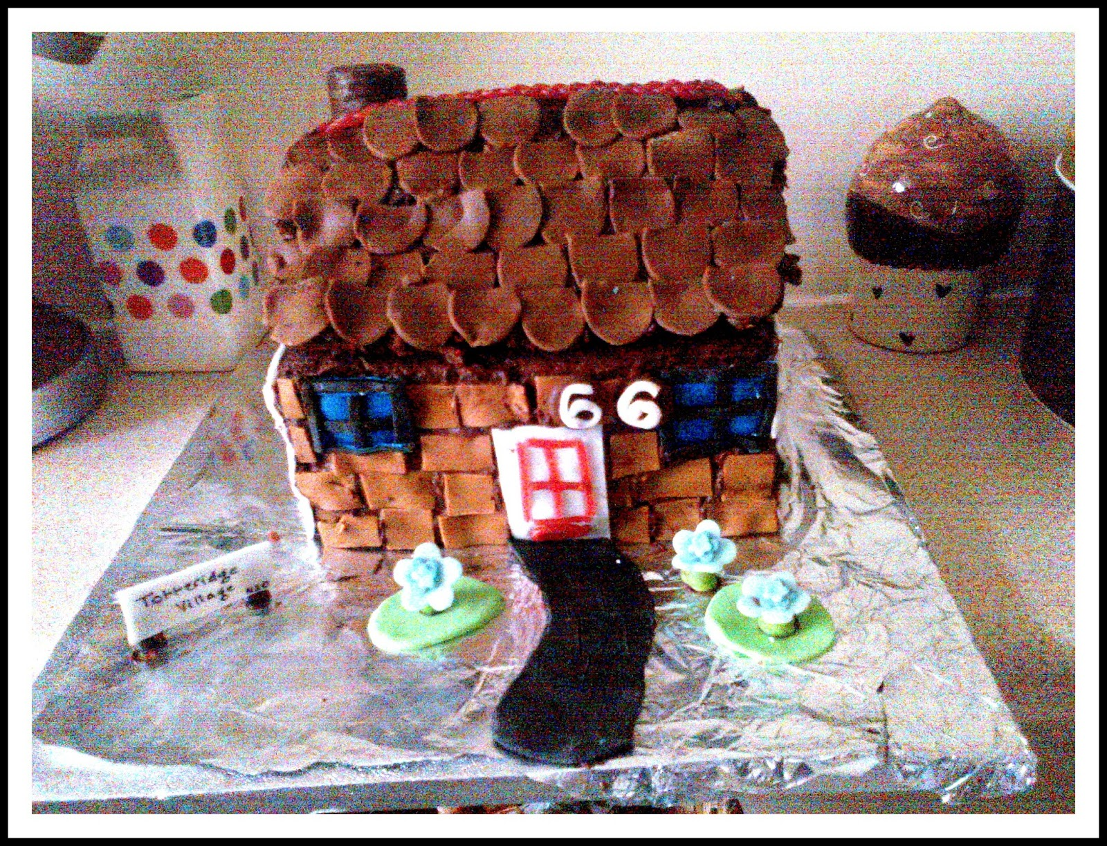 Pictures of house shaped cakes