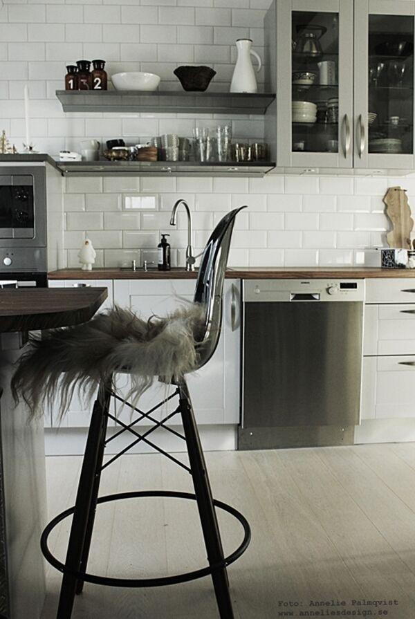 fårskinn, långhåriga isländska fårskinn, skinn, webbutik, webbutiker, webshop, inredning, anneliesdesign, annelies design & interior, kök, köket, barstol, barstolar industriellt industristil, industrikök, industri, vitt, vit, rostfria hyllor, hth, hylla, hyllor, apoteksflaskor, diskbänk, bänkskiva, bänkskivor, julklapp, julklappstips, julklappar, tips, bänkskivan, sverige skärbräda, skärbrädor,