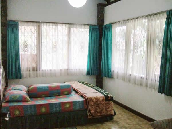 villa istana bunga villa heru3