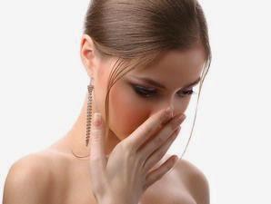 Cara-Mengatasi-Bau-Mulut