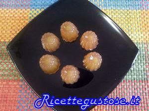 http://www.ricettegustose.it/Caramelle_html/Caramelle_gelatine_al_mosto_d_uva.html