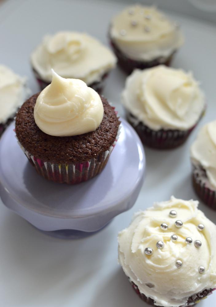 ... birthday cupcakes: Crown Royal whiskey cupcakes (aka Boozy Cupcakes