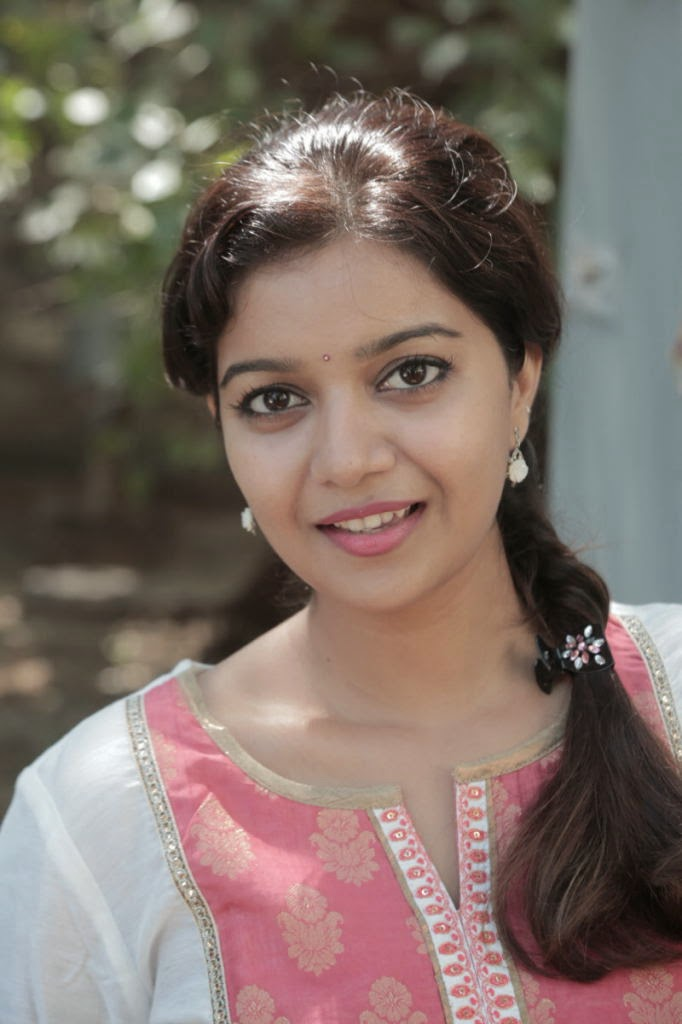 Cute smily Swathi latest photo gallery in jeans