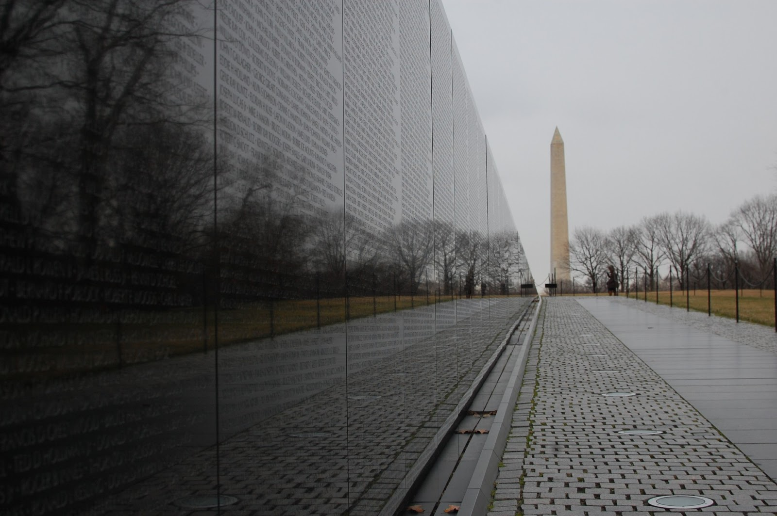 the vietnam veterans memorial wall page   autos weblog