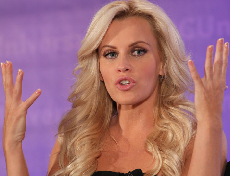 "Jenny McCarthy Tells CNN ""People Are Dying From Vaccinations"""