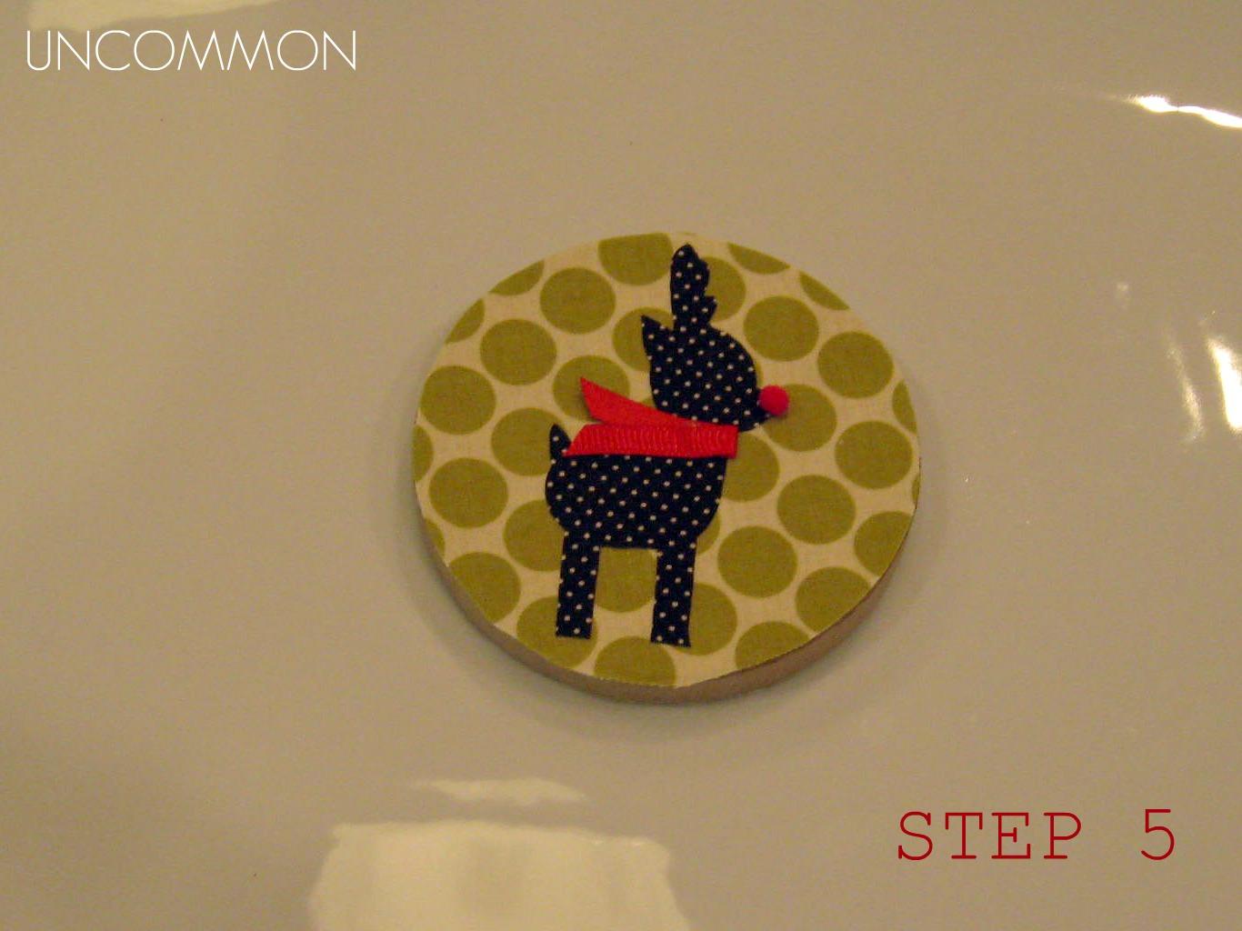 http://4.bp.blogspot.com/-UxuntNTJivE/TuKg2BzcI8I/AAAAAAAACAU/IjGpcjafsqc/s1600/Reindeer+Ornaments+Tutorial+Steps+Uncommon+Step+5.jpg