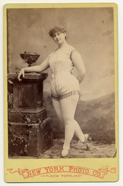 Erotic old picture woman