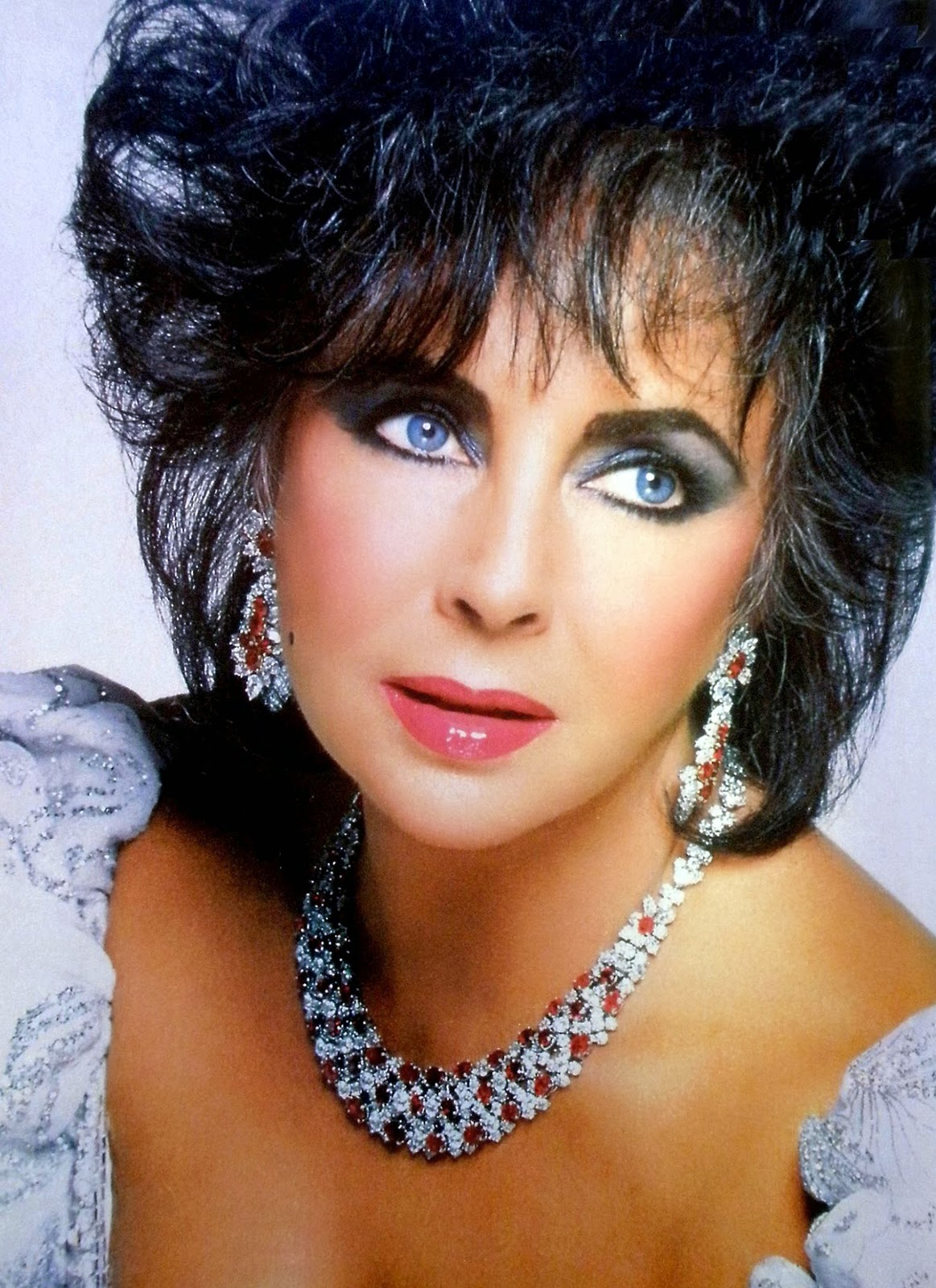 elizabeth taylor Academy award-winning actress elizabeth taylor was known her many popular  film roles (and marriages) learn more at biographycom.