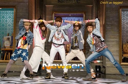 SHINee performs Sherlock