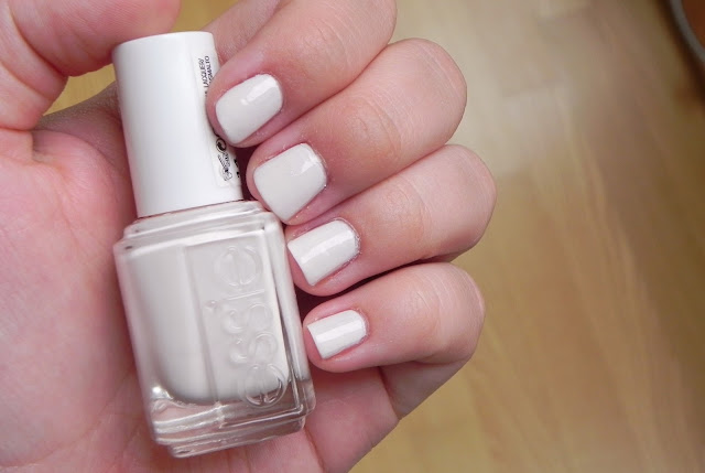 fiji essie swatch review