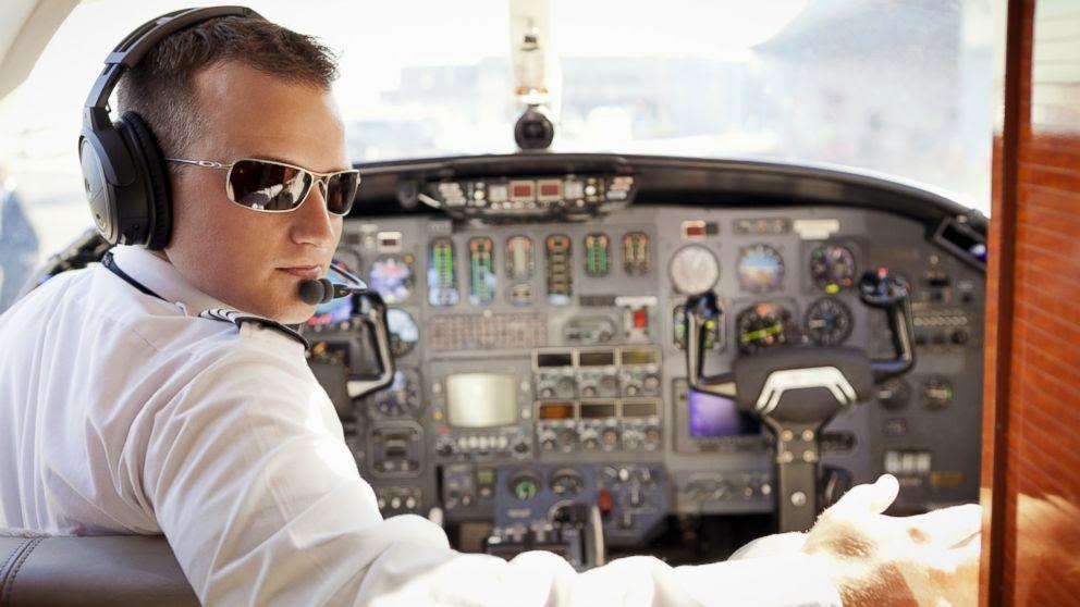 Studi : Sering Naik Pesawat Meningkatkan Risiko Kanker Kulit