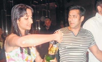 Salman Khan Drunked, Salman Khan party pictures, celebrity party private pictures