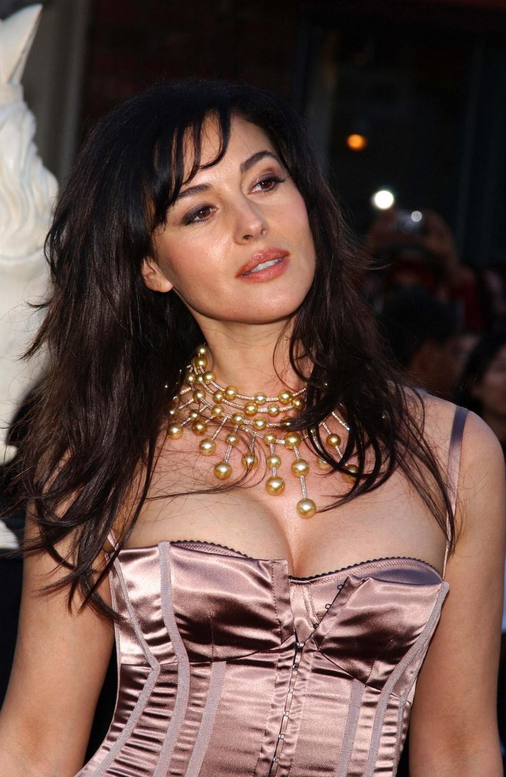 hair extention monica bellucci hot celebrity