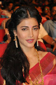 Shruti haasan new photos in saree-thumbnail-6