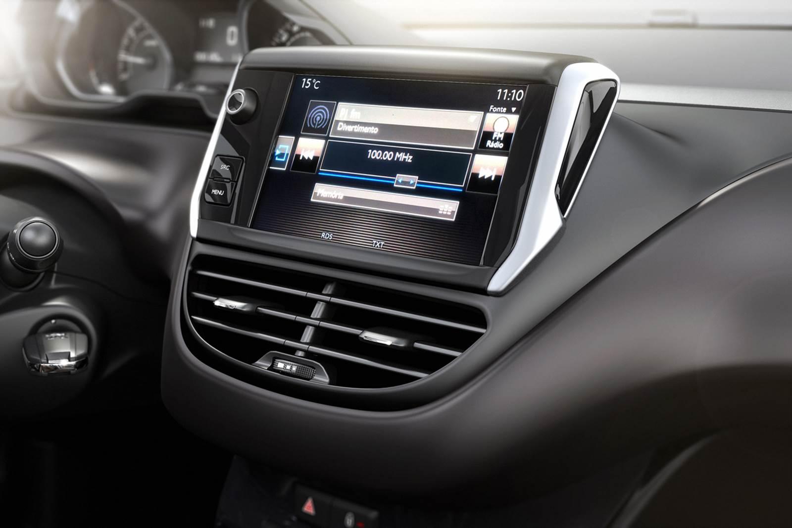 Novo Peugeot 2008 - interior - painel - sistema multimídia