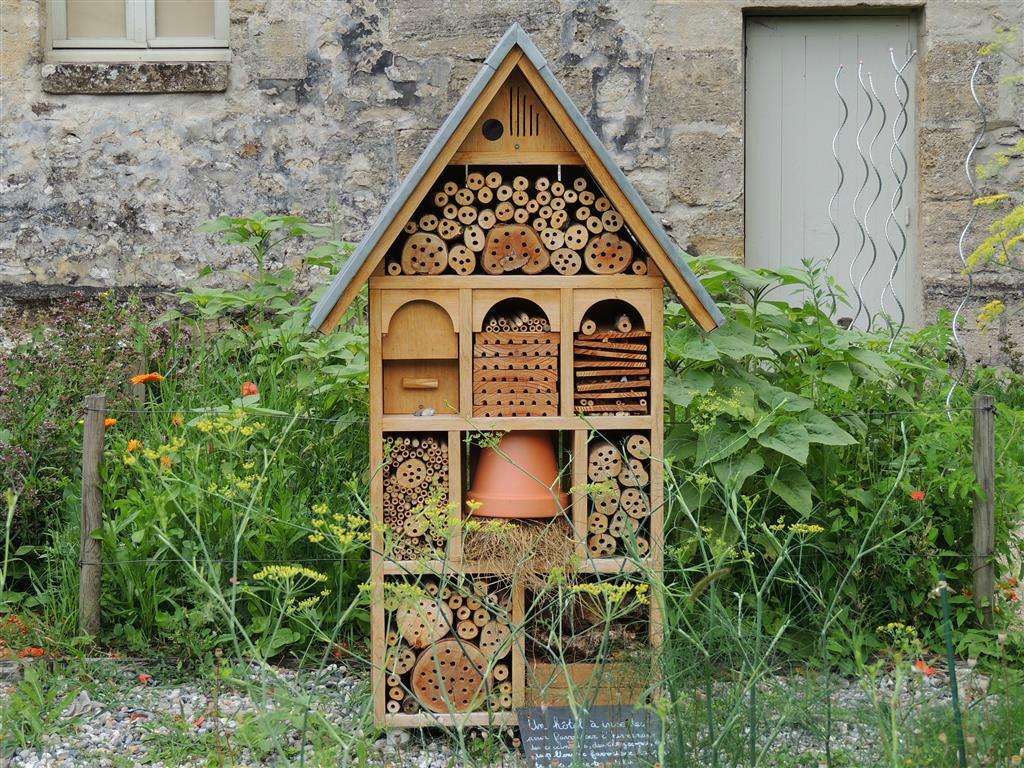 Breuillet nature h tels insectes album - Maison a insectes plan ...