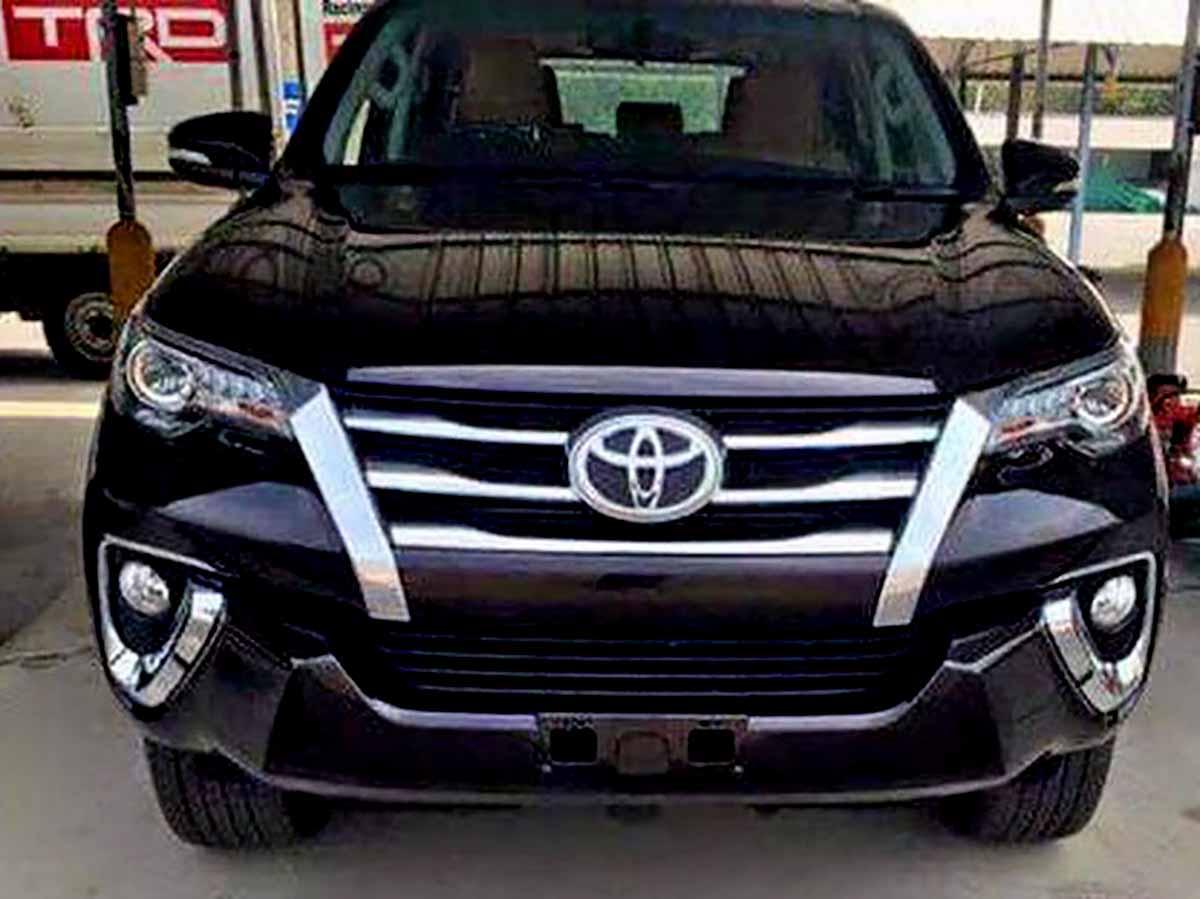 Nova Toyota Hilux SW4 2016: fotos externas e do interior