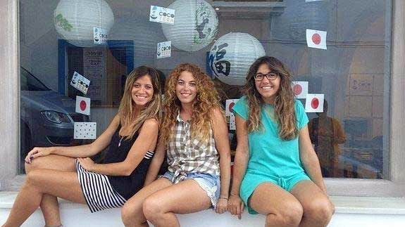 tres emprendedoras granadinas creadoras del hostel coworking en Tarifa para empresas y proyectos de emprendedores