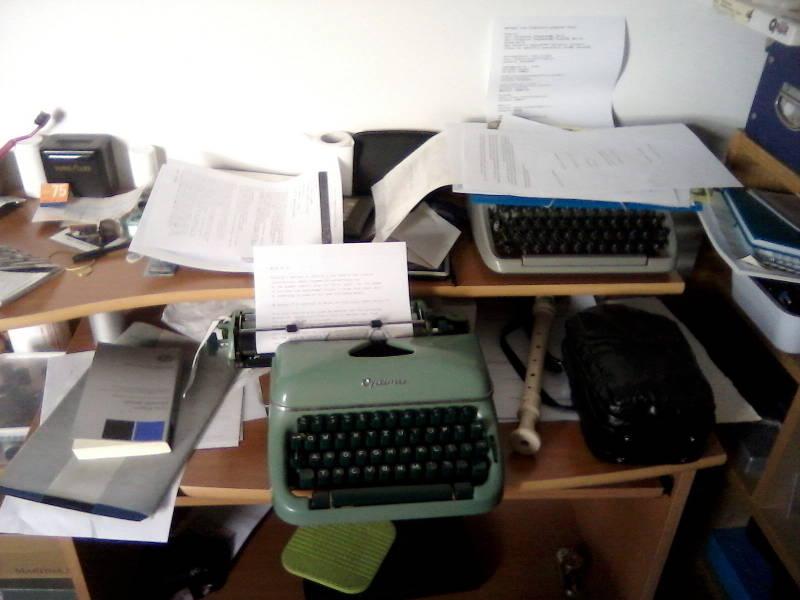 2012 06 27 - my desk