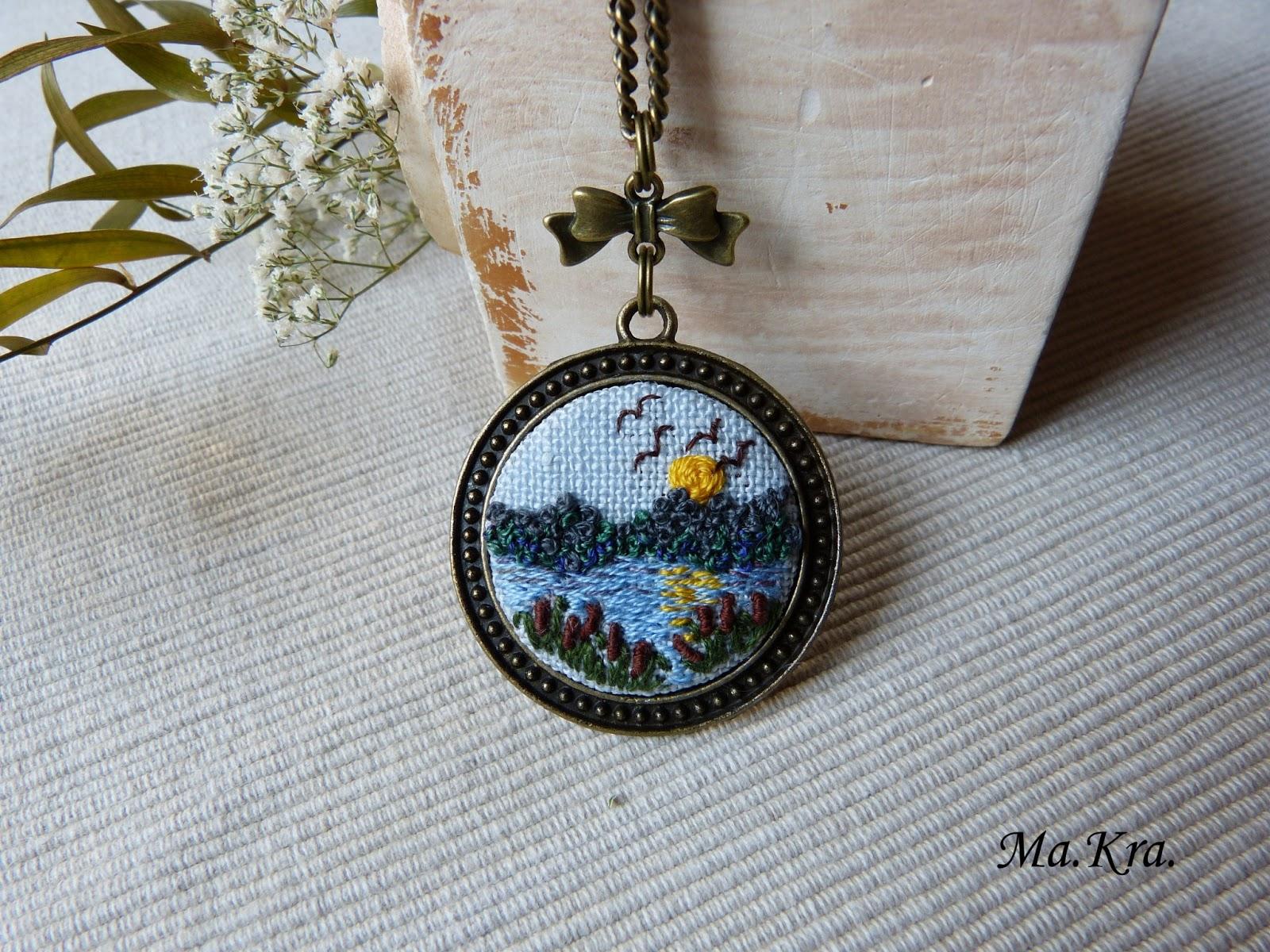 haftowany medalion