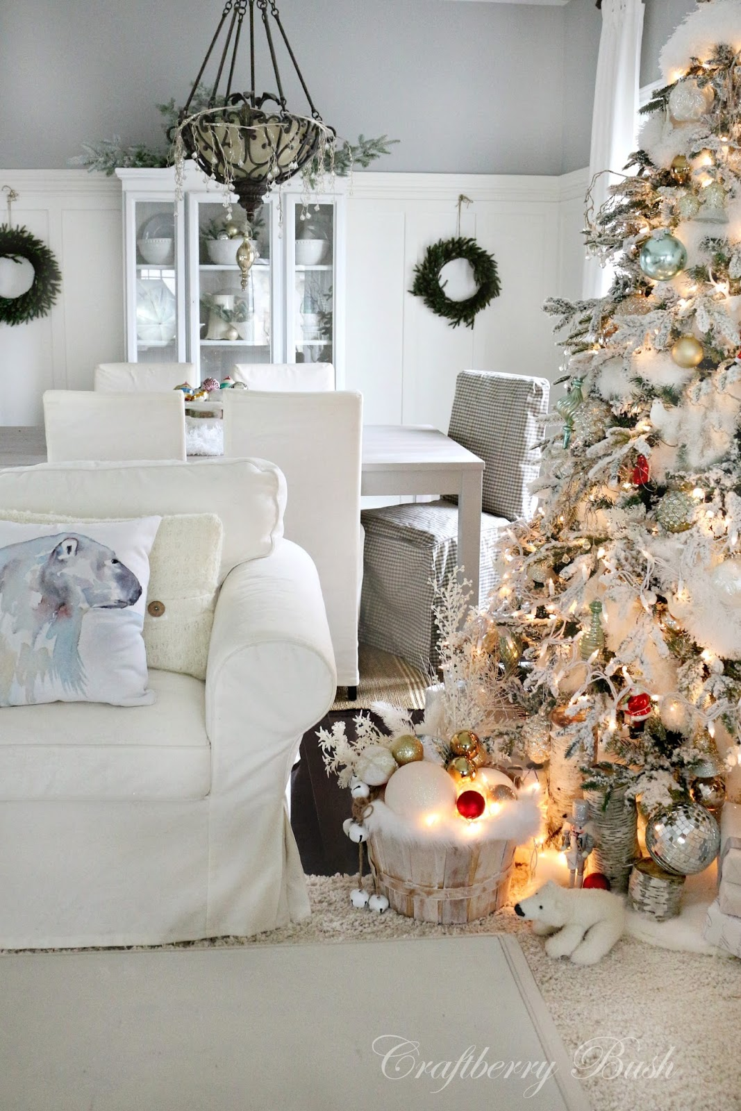 Christmas home decor ideas the 36th avenue for Christmas decorations for home interior