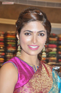 Parvathy-Omanakuttan-Stills-at-Womens-World-Store-Launch