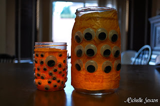 glowing eyeball jars for Halloween