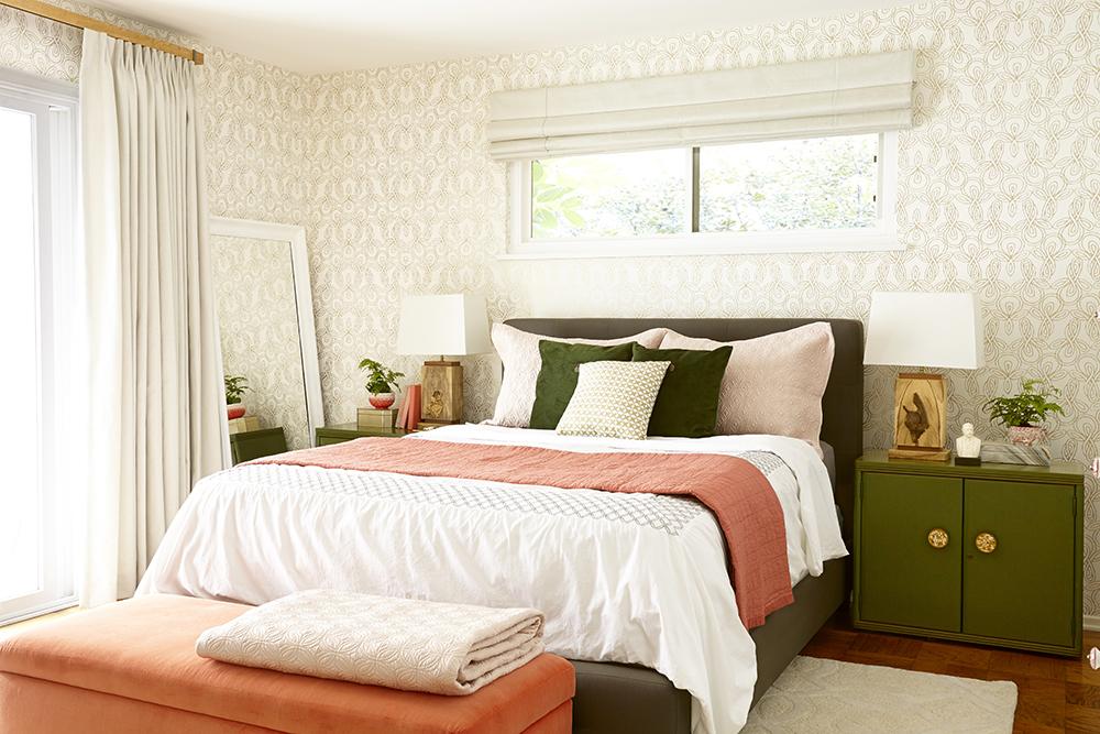 Deco] Antes y Después de un dormitorio en acentos dorados, verde y ...