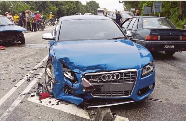 Kereta Audi S5 Fizo Omar Kemalangan