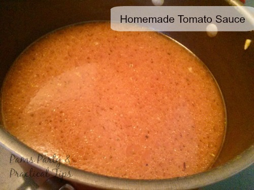 How to make tomato sauce with garden tomatoes
