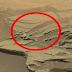 Ένα γιγάντιο «κουτάλι» που αιωρείται στην επιφάνεια του Άρη διχάζει τους επιστήμονες