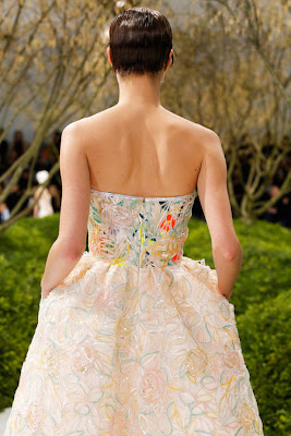 robe bustier élgante de luxe broderie et dentelle francaise