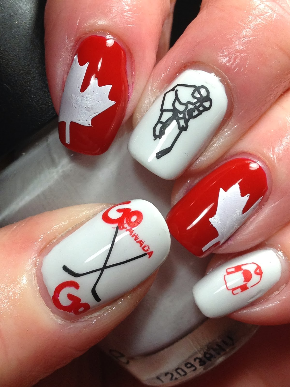 Canadian Nail Fanatic: Olympic Nails...Men\'s Hockey Takes Gold!