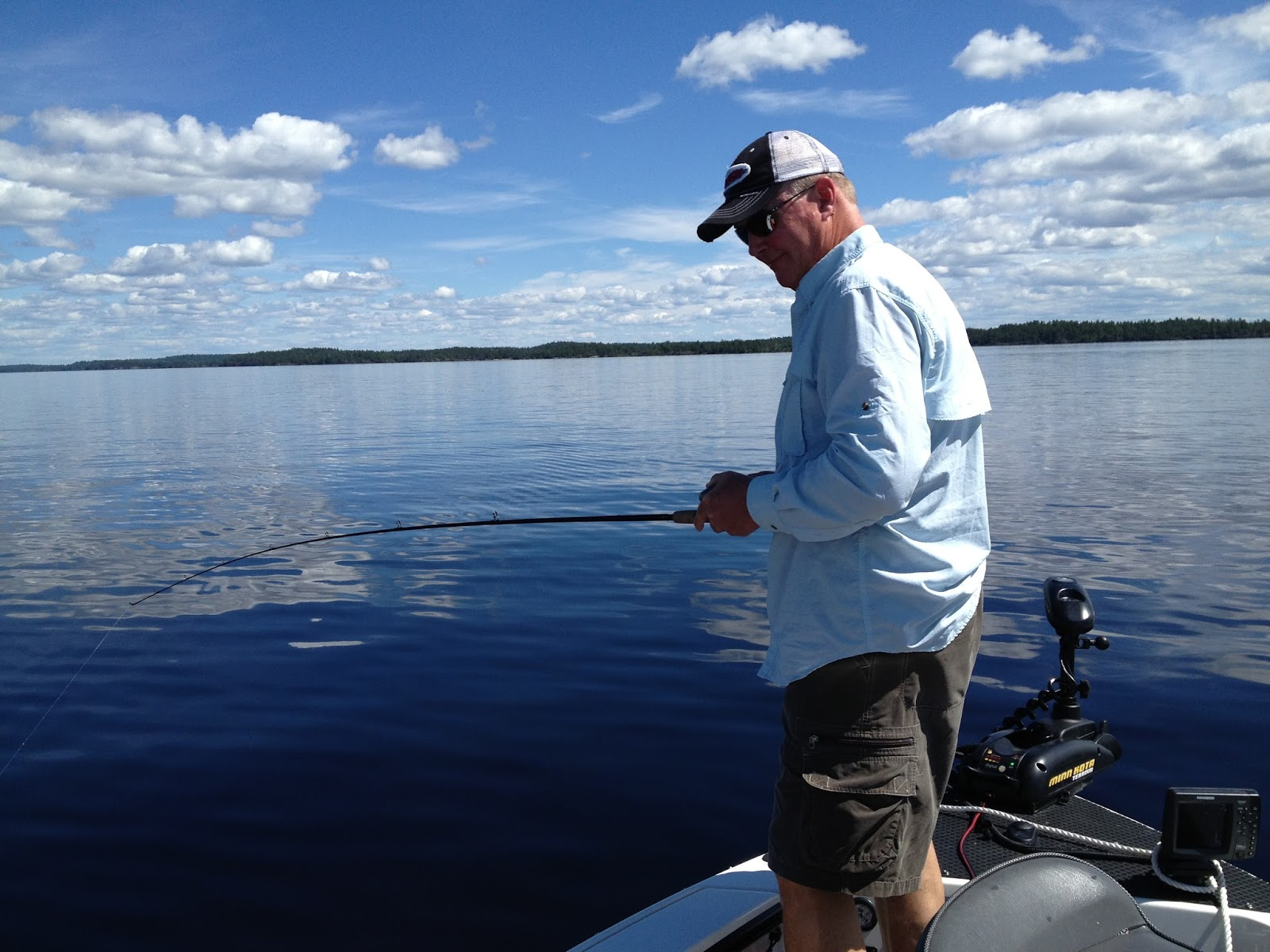 rainy lake houseboats fishing report