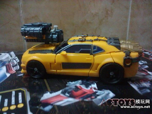transformers dark of the moon bumblebee dies. transformers dark of the moon