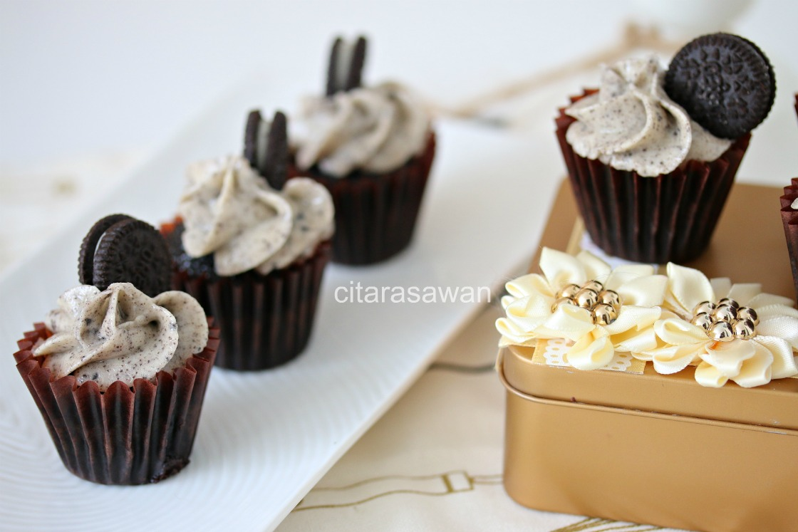 Chocolate Cupcakes with Oreo Buttercream -