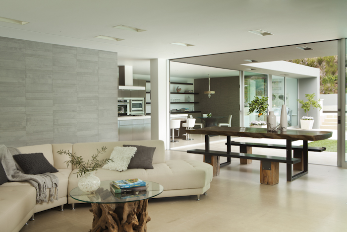 Living room in Beautiful Modern Home by Shubin + Donaldson Architects