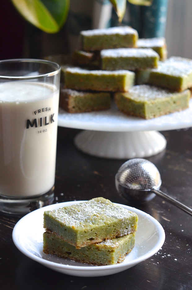 Chewy Pistachio Blondies